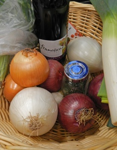 ingredients for this Trilogy of Onions Soup