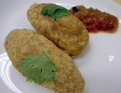 Puebla-style molotes with salsa martajada