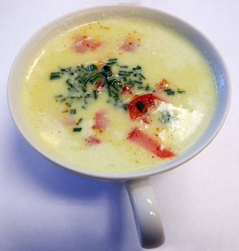 cold cucumber soup with red bell peppers and crab