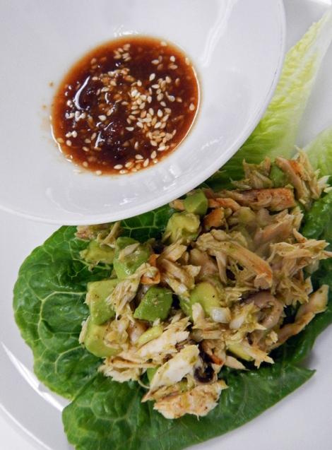 Tuna Lettuce Roll with Plum Sauce