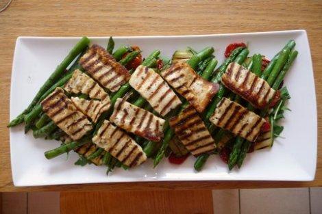 halloumi and asparagus salad