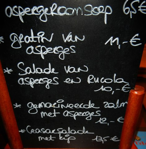 the small bites menu mostly featured the delectable white asparagus that was in season only for the few weeks that we were in Belgium