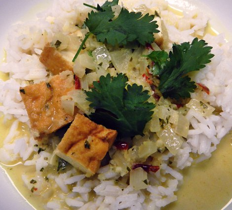 Cambodia coconut curry with tofu