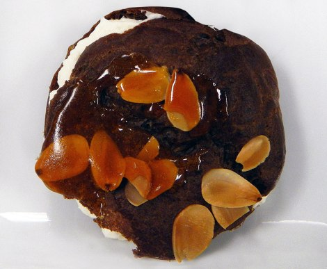 World Spices Cooking Class 3: a Chocolate Banana Cream Puff from Paris