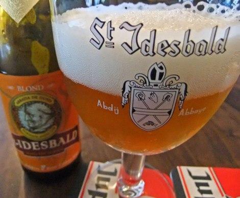 De Panne patron beer: St Idesbald