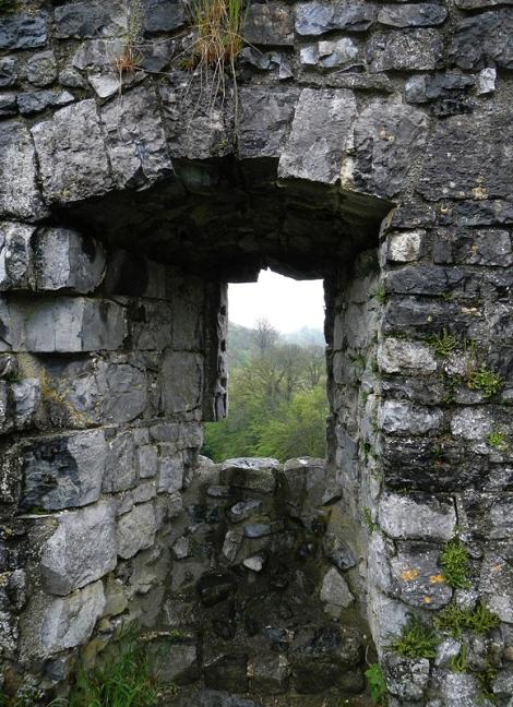 at the Ruines de Montaigle