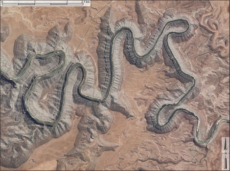 Gooseneck meanders through Utah aerial