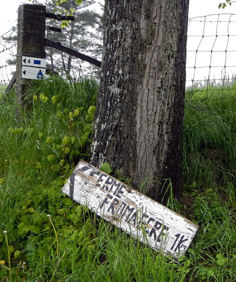 Ferme-Fromagere Sign