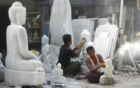 Mandalay: the Street of Stone Carvers and 1000 Buddhas
