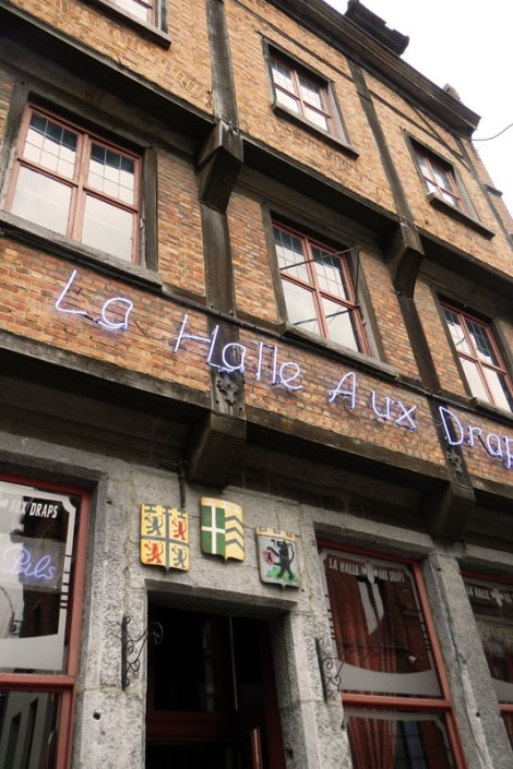 La Halle Aux Draps, a lively pub in Soignes