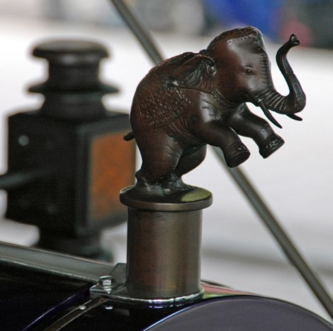 King's Car with Elephant Hood Ornament Details