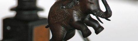 King'sCar Elephant Hood Ornament