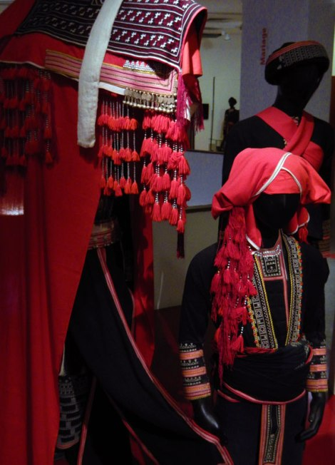 Hanoi Women's Museum: Traditional Costumes