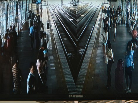 Bangkok Rail Security Screen