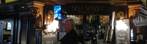 Victoria's 6 Mile Pub Bar