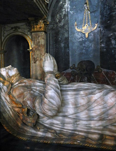 In the Delft Old Church the tomb of an important woman, her marble robe catching the morning light