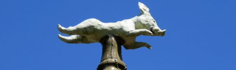 A Flying Pig Adds a Whimsical Touch to a Giverny Roof