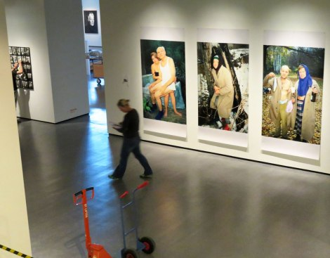 Nederlands Fotomuseum: putting up an exhibit