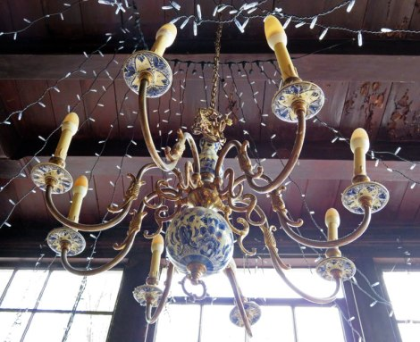 Cafe Papeneiland Chandelier