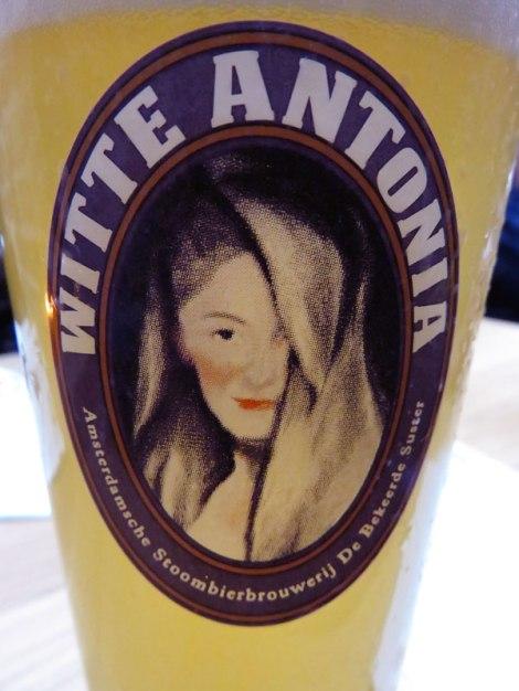 De Bekeerde Suster Brewery's Witte Antonia wheat beer