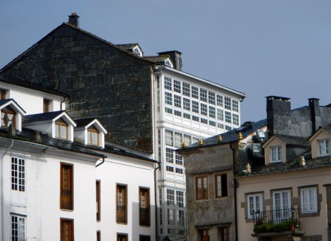 Mondoñedo's slate roofs and glassed-in balconies