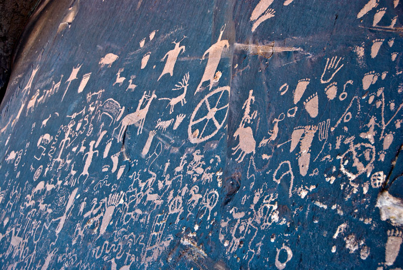 'Newspaper Rock' petroglyphs