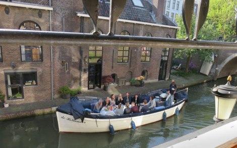 'Leckerboots' go past the Lijn 4 pub in Utrecht, Holland
