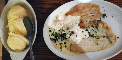 Stepping Stone Cafe: Plaice and shrimp and mash