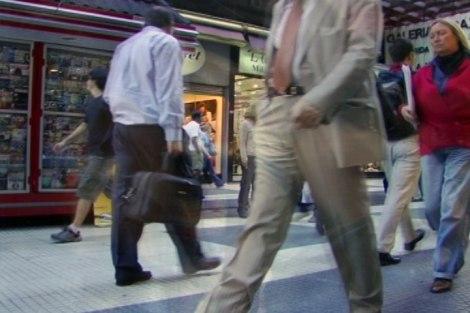Peatones (pedestrians) on Calle Florida in Buenos Aires, Argentina