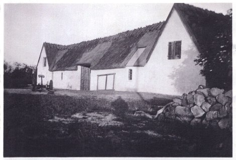 dad's photo of the house at Skaevinge