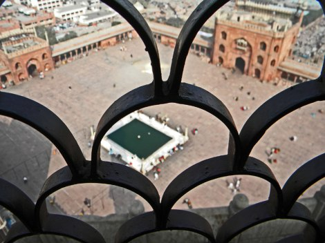 view looking down from the Delhi mosque minaret